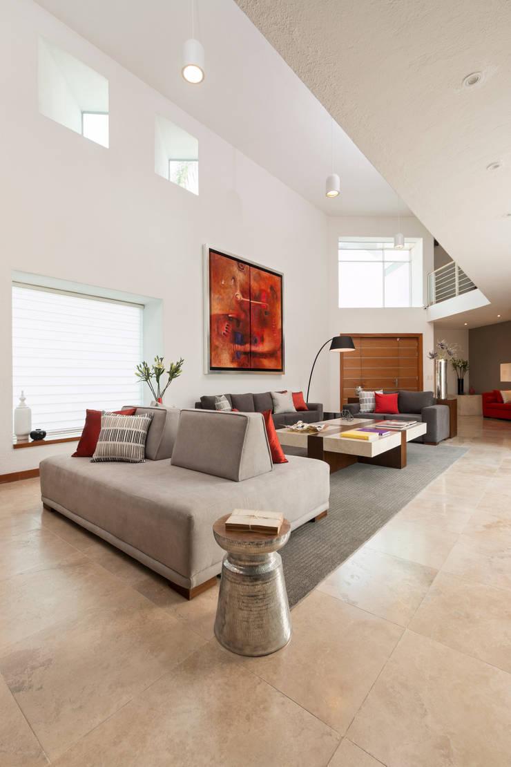 Phòng khách theo MM estudio interior,