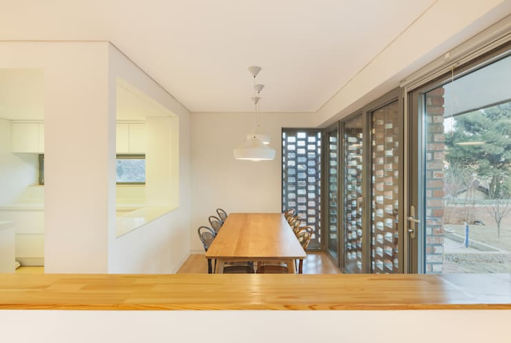 김포 대능리 단독주택: 서가 건축사사무소의  다이닝 룸,모던