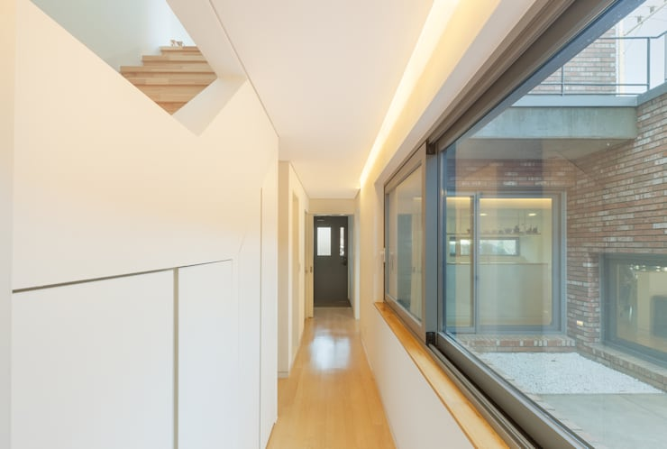 김포 대능리 단독주택: 서가 건축사사무소의  복도 & 현관,모던