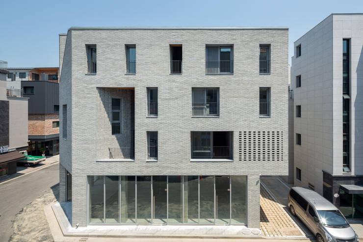구월동 근린생활시설 및 다가구주택: 서가 건축사사무소의  주택,모던