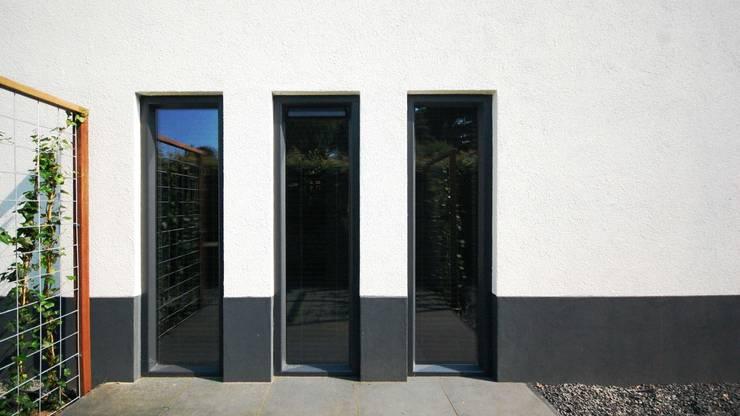 METAMORFOSE MAAKT WONING MODERN:   door Tijmen Bos Architecten
