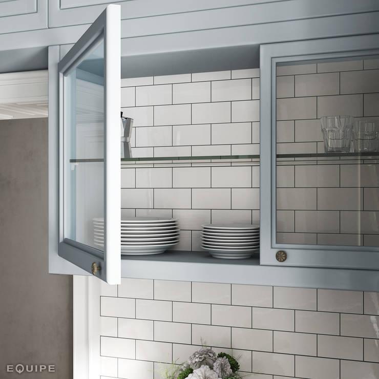 Evolution  Blanco Brillo 7,5x15: Cocinas de estilo  de Equipe Ceramicas