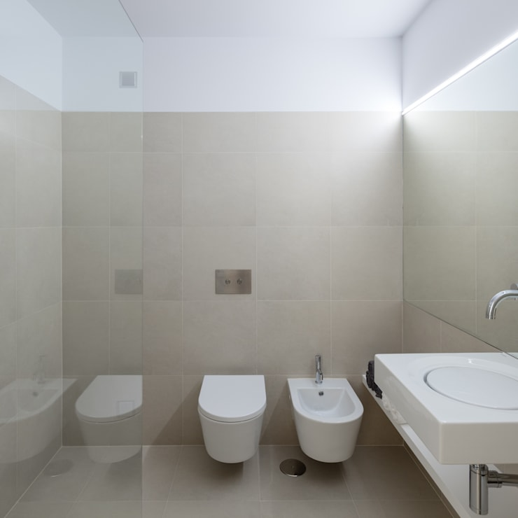 Bathroom by Tiago do Vale Arquitectos, Eclectic Ceramic