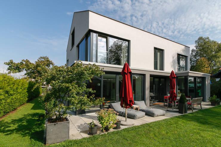 Casas de estilo  por WSM ARCHITEKTEN