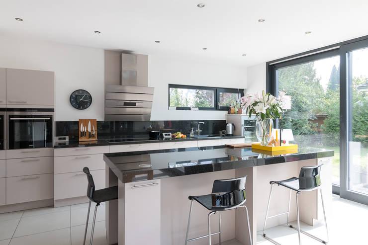 modern Kitchen by WSM ARCHITEKTEN