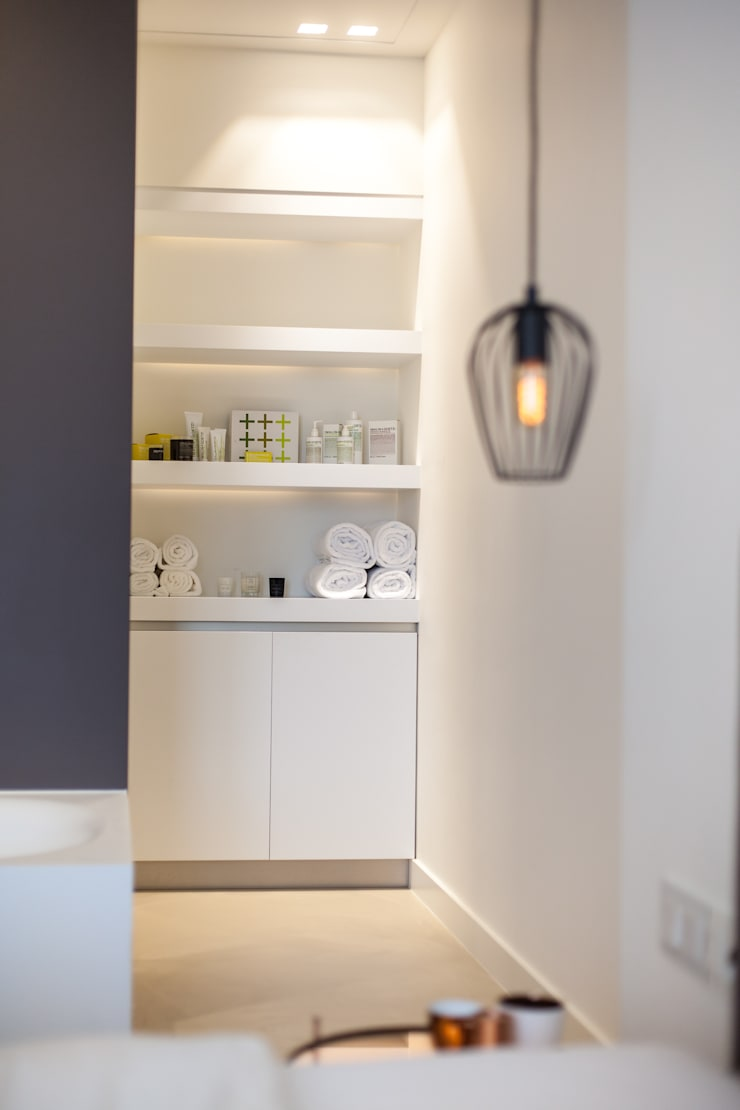 Slaapkamer/badkamer:  Badkamer door Bob Romijnders Architectuur & Interieur