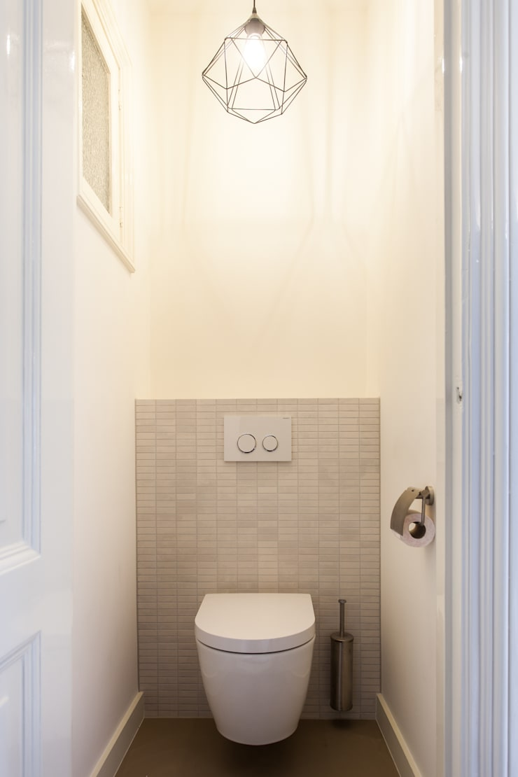 Toilet:  Badkamer door Bob Romijnders Architectuur & Interieur