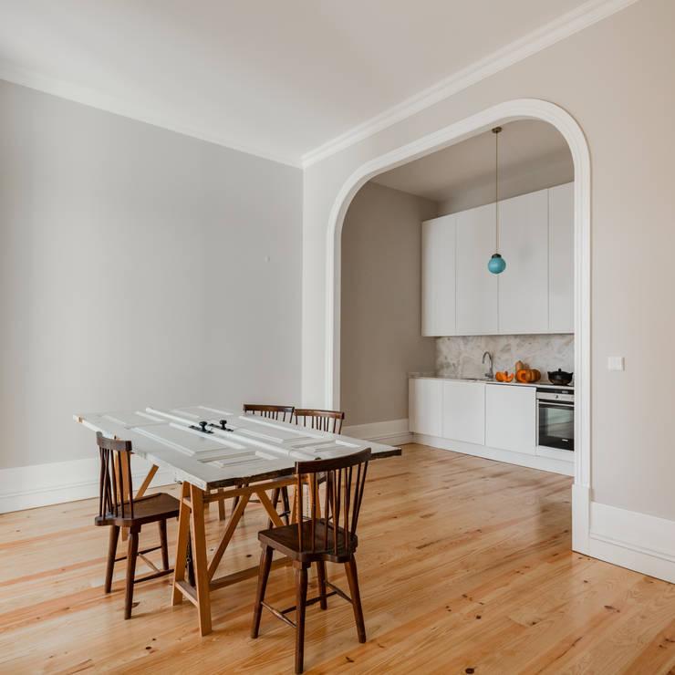 Kitchen by Pedro Ferreira Architecture Studio Lda