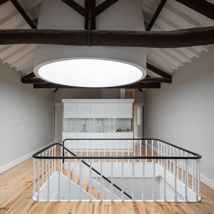 Clarabóia: Salas de estar  por Pedro Ferreira Architecture Studio Lda