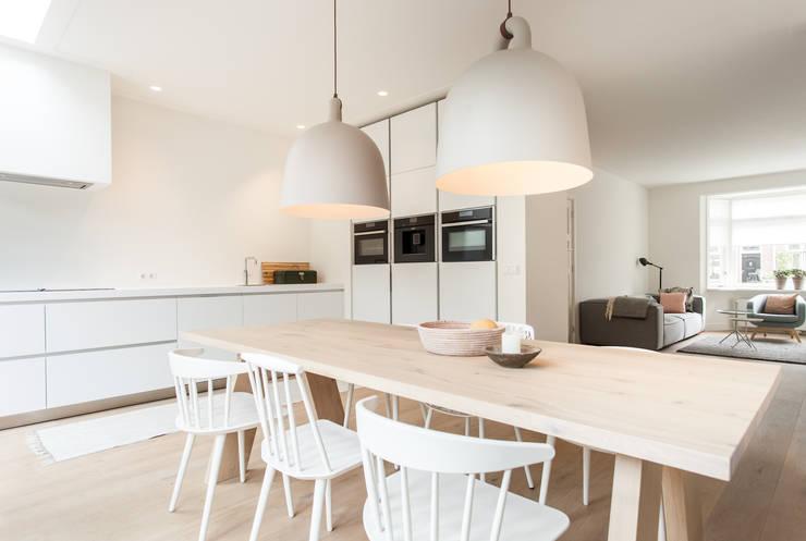 Leefkeuken:  Keuken door Bob Romijnders Architectuur & Interieur
