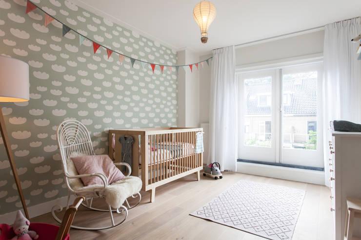 Projekty,  Pokój dziecięcy zaprojektowane przez Bob Romijnders Architectuur & Interieur