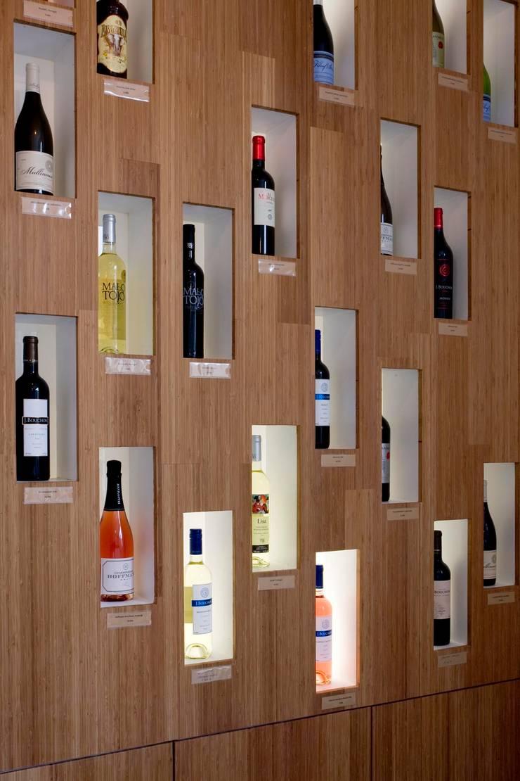 Bars & clubs door studio k interieur en landschapsarchitecten, Modern