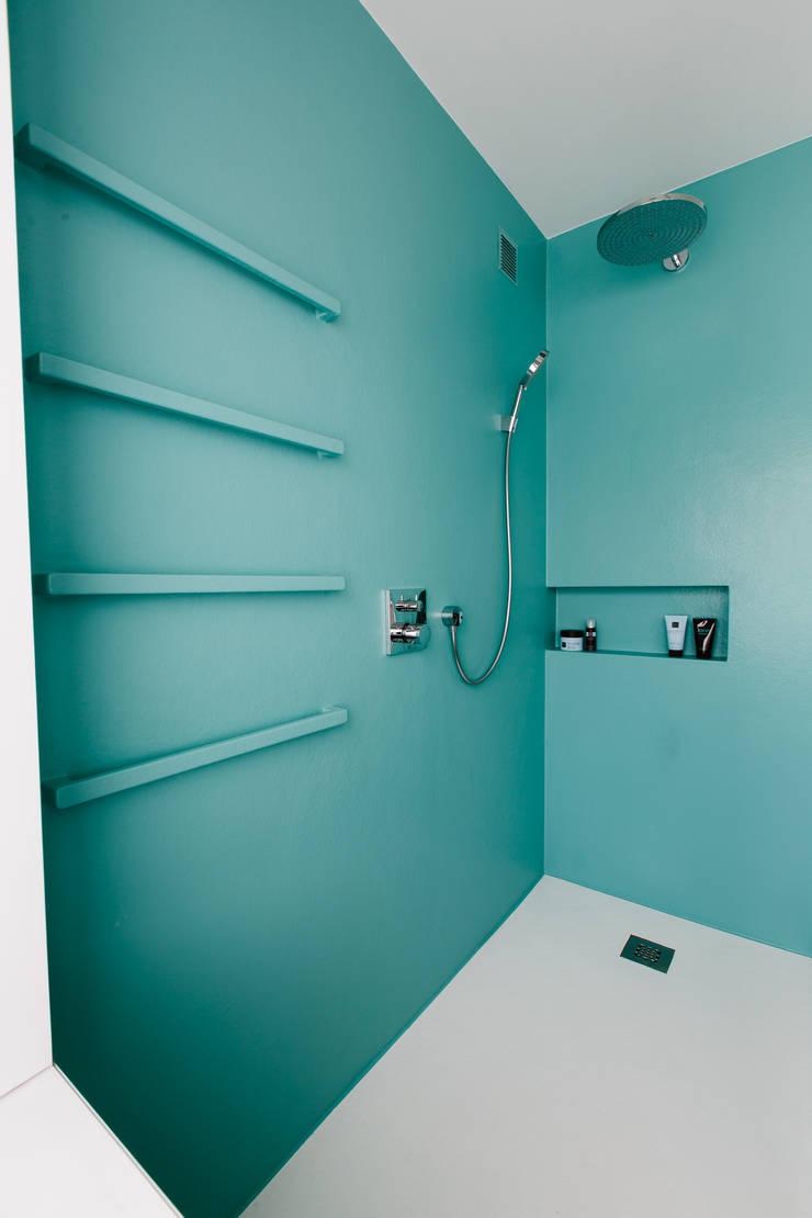 Badkamer door studio k interieur en landschapsarchitecten, Modern