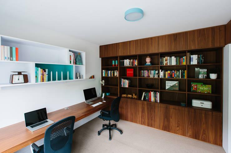 Studeerkamer/kantoor door studio k interieur en landschapsarchitecten, Modern