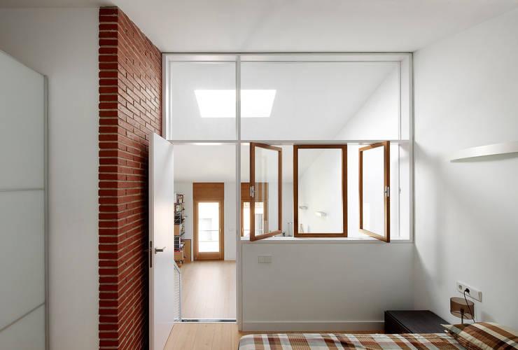 Bedroom by Vallribera Arquitectes,
