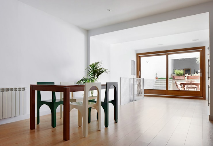 Dining room by Vallribera Arquitectes,