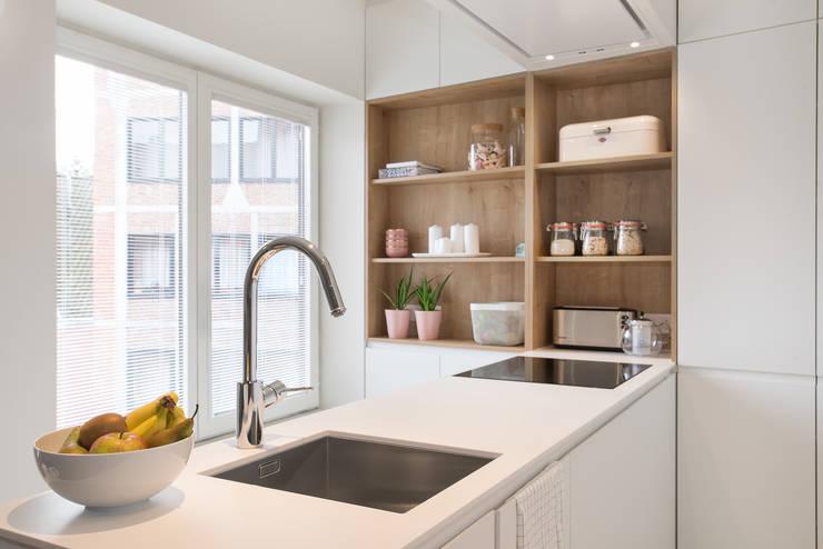 Keuken door studio k interieur en landschapsarchitecten, Modern