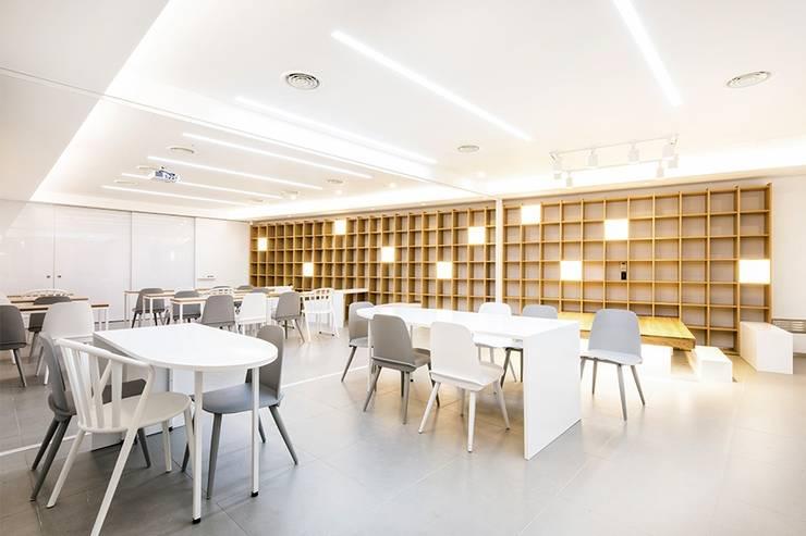 The LINA Senior Campus _라이나생명 '전성기캠퍼스': 지오아키텍처의  서재 & 사무실