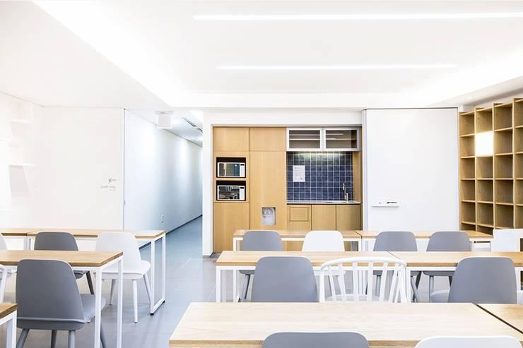 The LINA Senior Campus _라이나생명 '전성기캠퍼스': 지오아키텍처의  주방