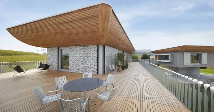 Projekty,  Taras zaprojektowane przez Bau-Fritz GmbH & Co. KG