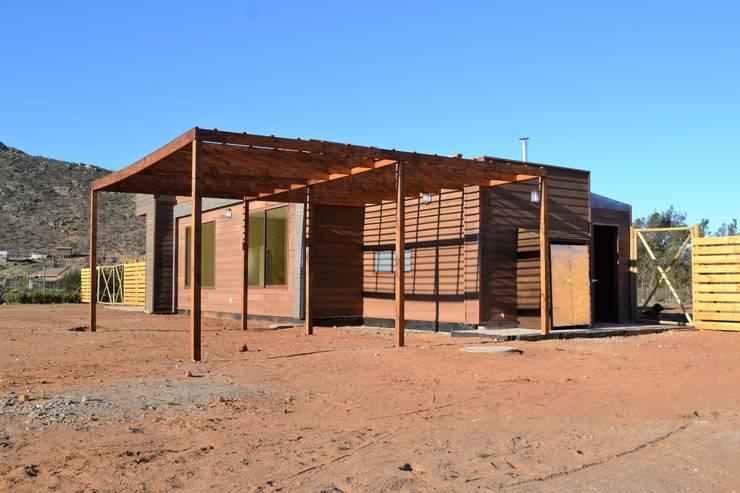 Casas de estilo  por Casas Metal
