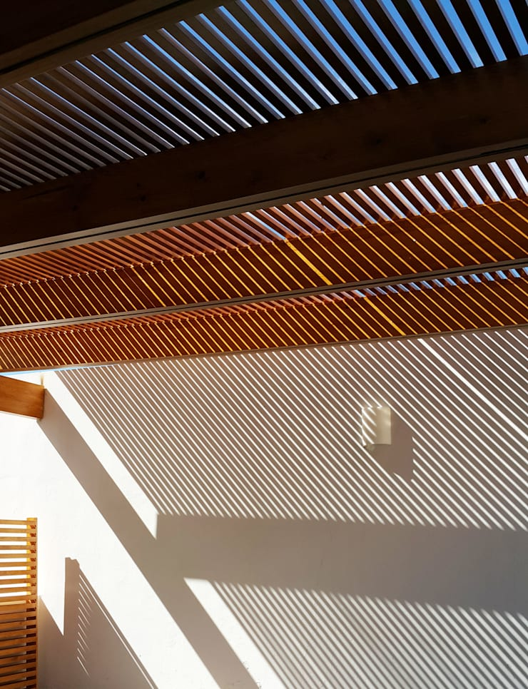 Proyección de sombras:  de estilo  por CABSA Taller de Carpintería & Arquitectura