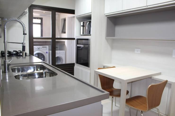 Projekty,  Kuchnia zaprojektowane przez Concept Engenharia + Design