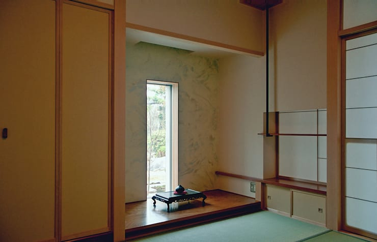 Salas multimedia modernas de シーズ・アーキスタディオ建築設計室 Moderno