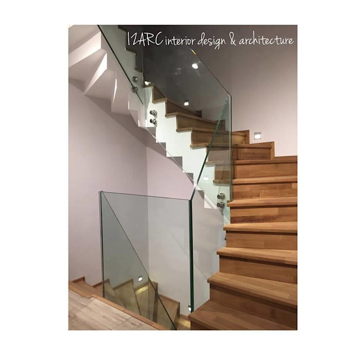 Corredores, halls e escadas modernos por İZARC MİMARLIK Moderno Vidro