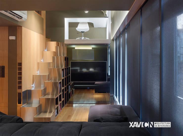 Piso Pitelos: Salones de estilo  de XaviCN