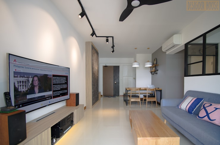 Punggol Waterway Brooks BTO: minimalistic Living room by Designer House