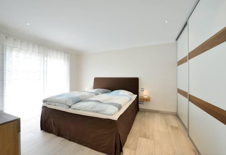Спальни в . Автор – Heinz von Heiden GmbH Massivhäuser