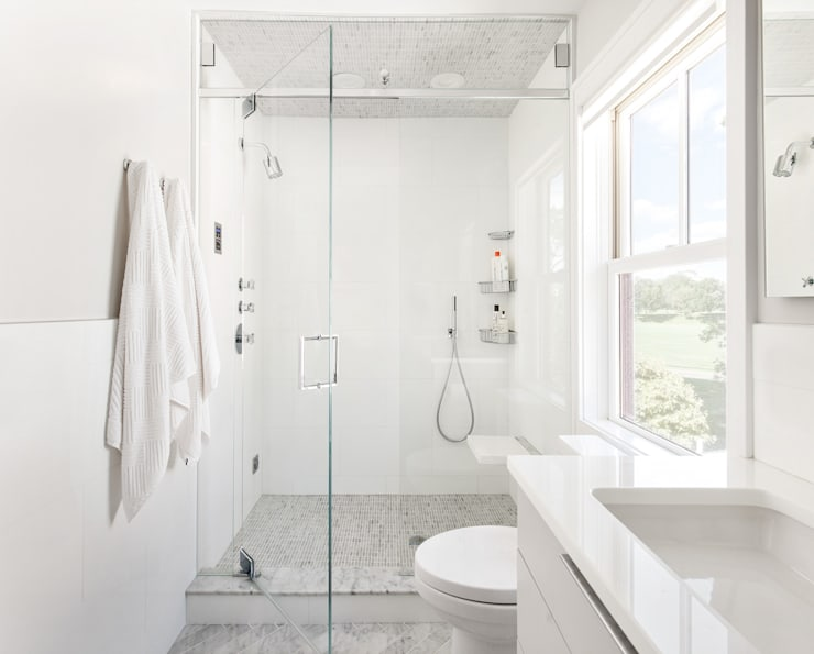 Master Bath: modern Bathroom by Clean Design