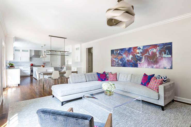 Ruang Keluarga by Clean Design