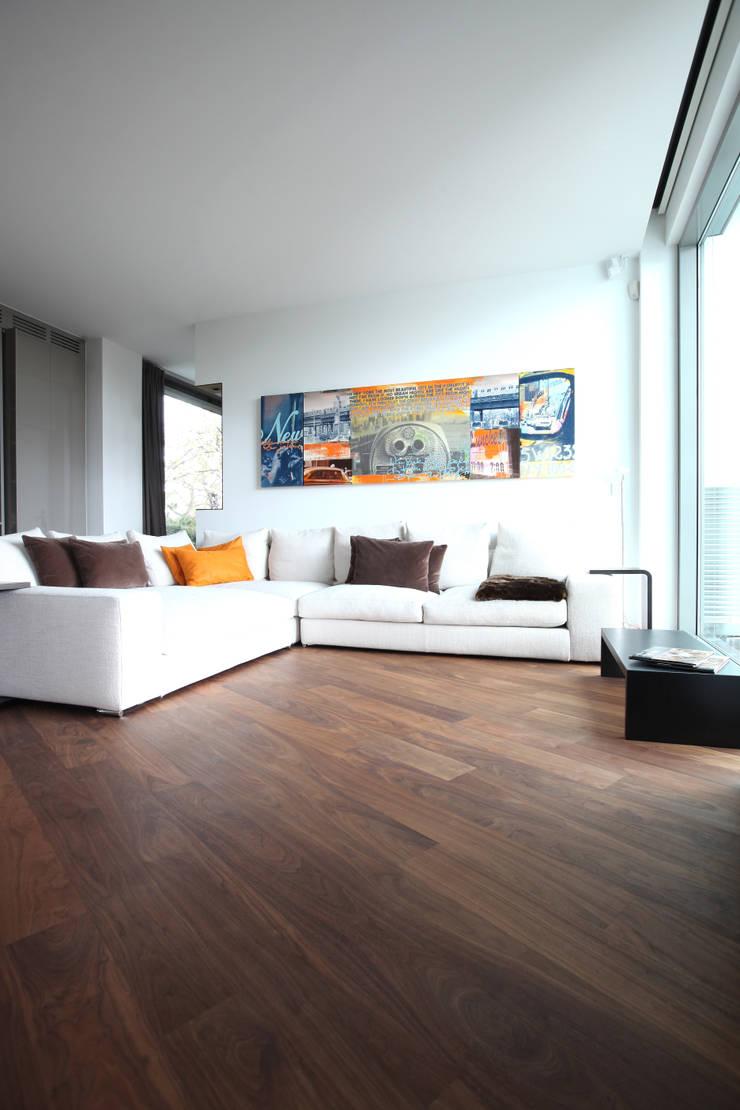 Ruang Keluarga Modern Oleh Neugebauer Architekten BDA Modern