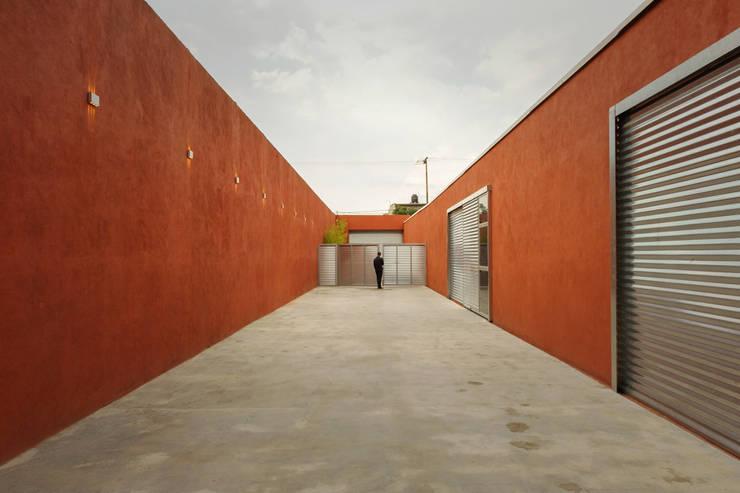 MCI DF - P+0 Arquitectura: Casas de estilo  por pmasceroarquitectura
