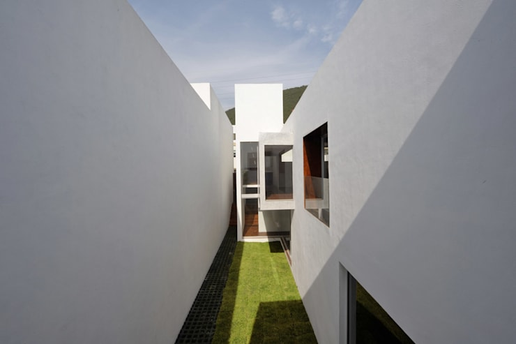 Houses by pmasceroarquitectura