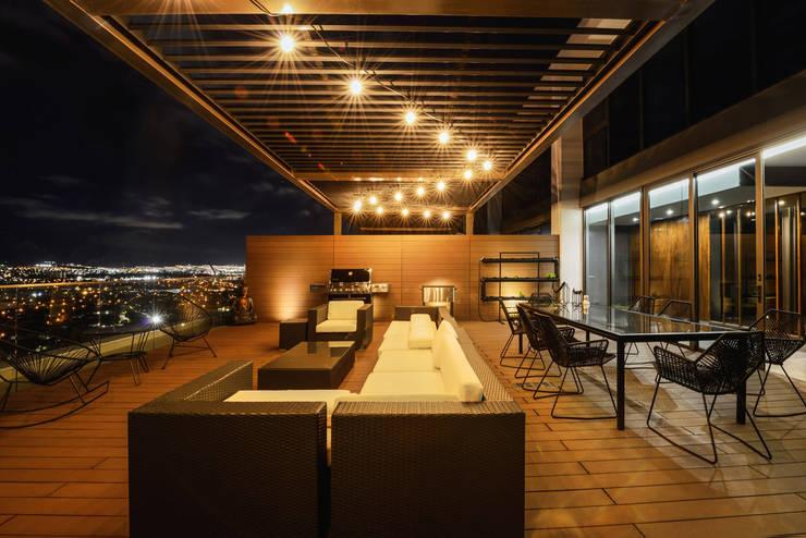 PH Fuentes - P+0 Arquitectura: Terrazas de estilo  por pmasceroarquitectura