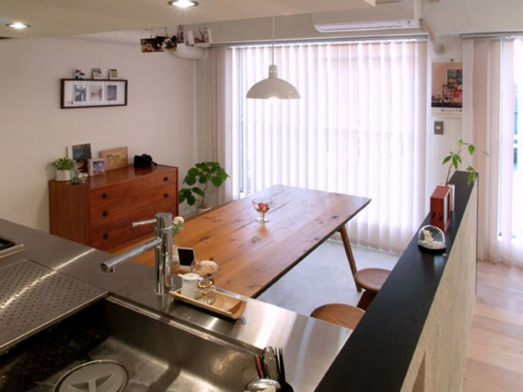 Dining room by 株式会社ブルースタジオ