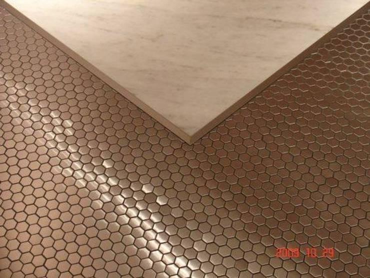 (0)Bathrooms/shower: Casas de banho  por Dynamic444