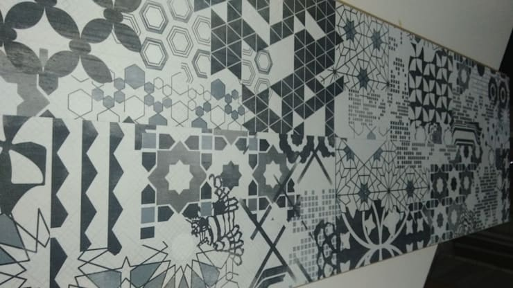 Parador Parke – Tasarım Siyah Beyaz Çini Desen Laminat Parke:  tarz Duvar & Zemin