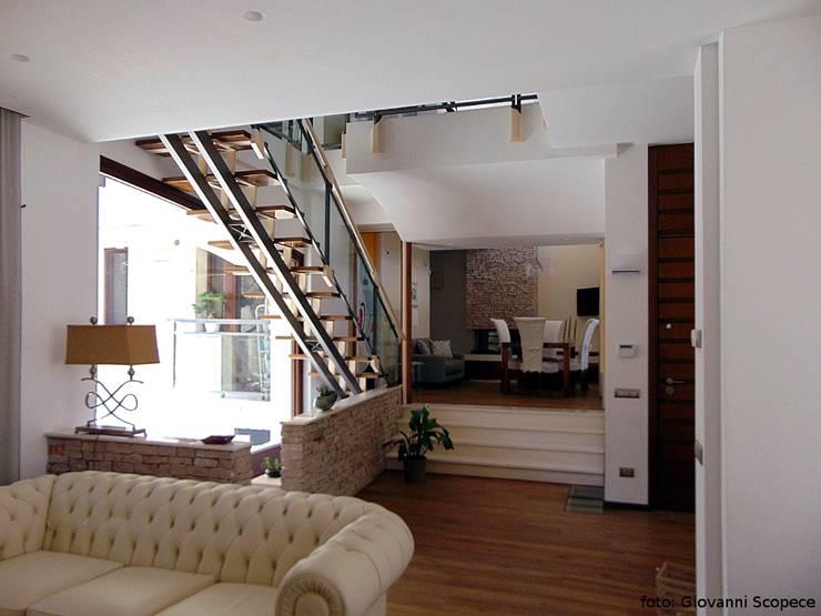 Salas de estilo  por Studio di Architettura e Design Giovanni Scopece