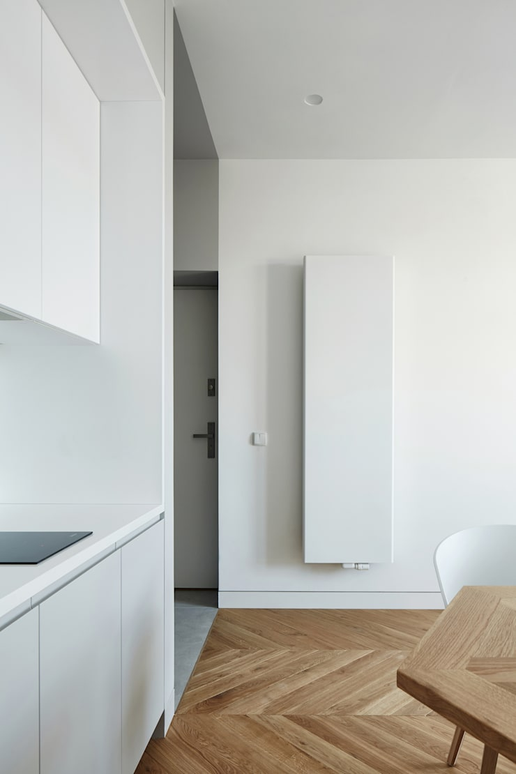 Daniel Apartment :  Kitchen by BLACKHAUS