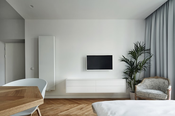 minimalistic Living room by BLACKHAUS