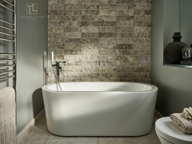 Projekty,  Łazienka zaprojektowane przez Tailored Living Interiors
