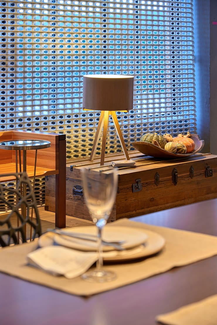 Dining room by MARCOS DE PAULA ARQUITETURA E INTERIORES, Modern