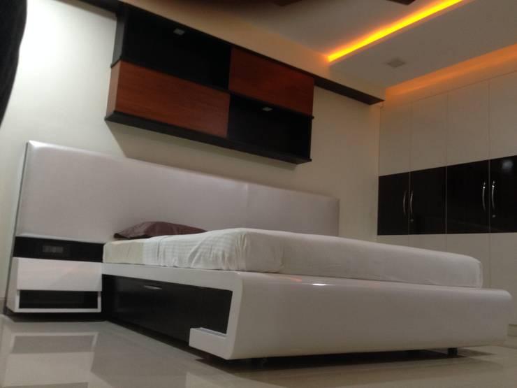 507 meenakshi:  Bedroom by KEYSTONE DESIGN STUDIOS