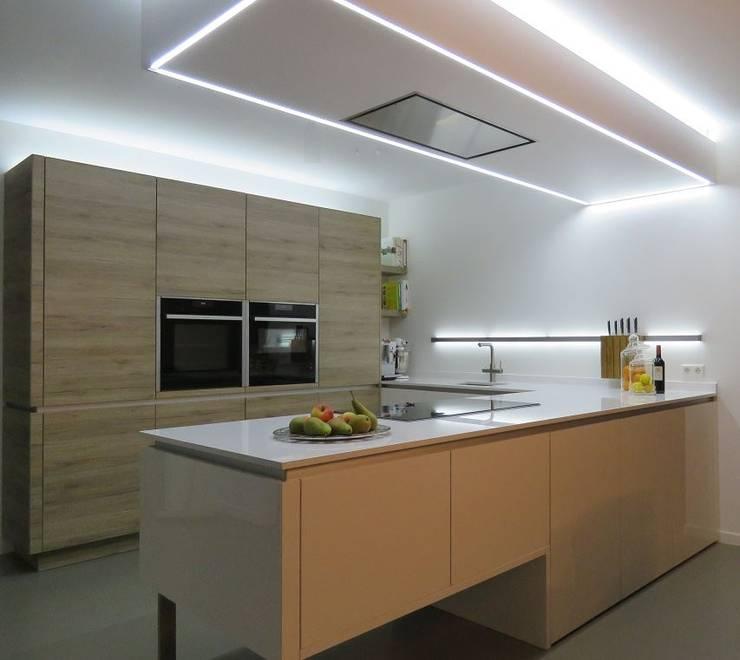 Keuken Leusden:  Keuken door Pieter de Jong Keukens , Modern MDF