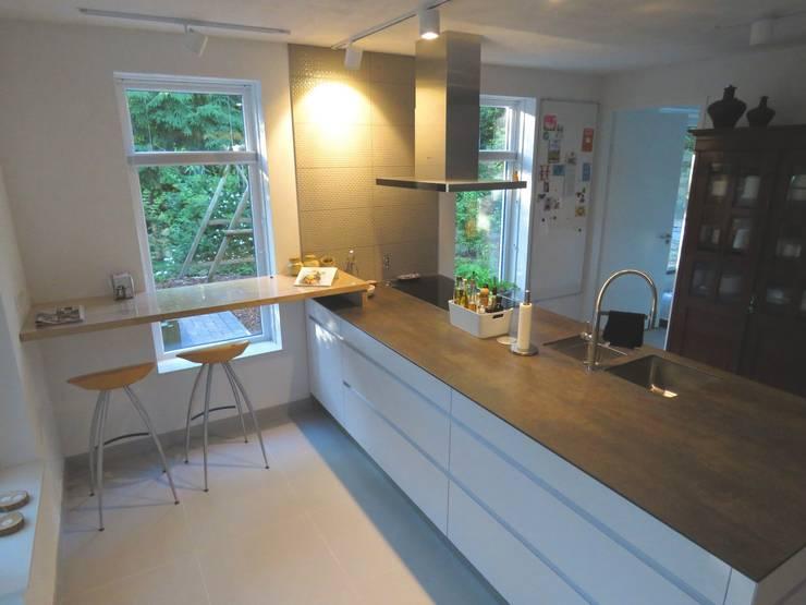 Dapur by Pieter de Jong Keukens
