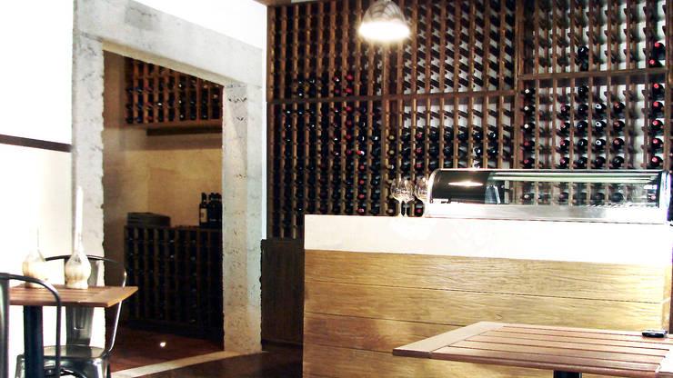 CAVA: Restaurantes de estilo  por Labinterfases